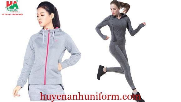 Đồng phục thể dục dạng áo khoác.