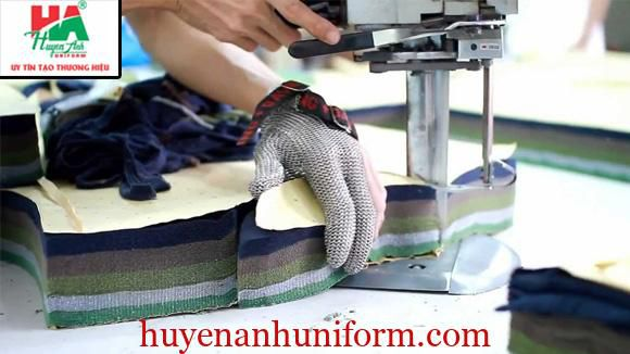 Cắt vải làm áo lớp tại đà nẵng